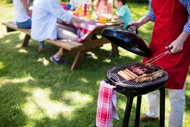 Het Gezinsleven - Lifestyle - Mannen - Barbecue kopen? - Familie barbecue